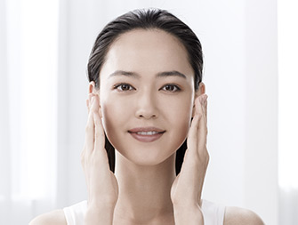 How to apply anti-ageing essence